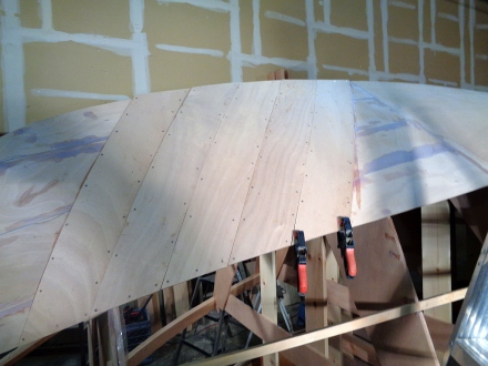 Diagonal bow planking