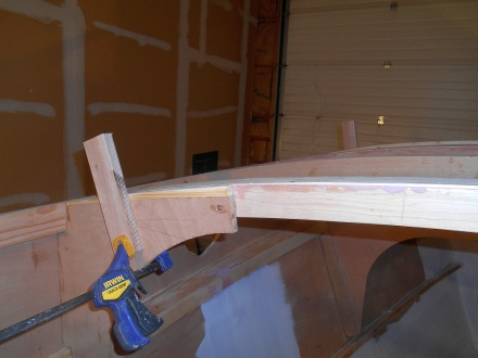 Guides for sliding roof panels without too much smearing.