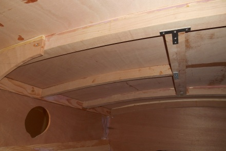 Beams and roof are really tight.  Please ignore giant shim on frame at left.