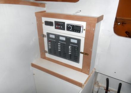 Electronics -- lighter socket, USB socket, battery monitor, stereo/Ipod player