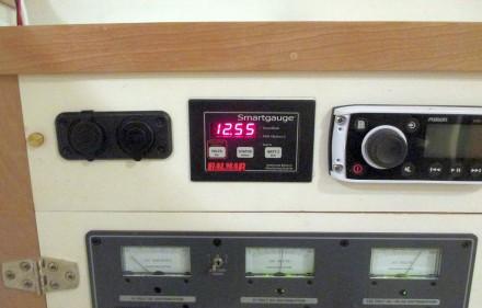 Balmar battery monitor doing its thing