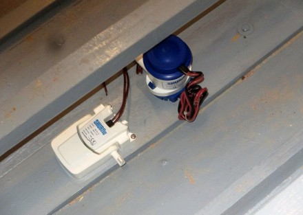 Forward bilge pump and float switch